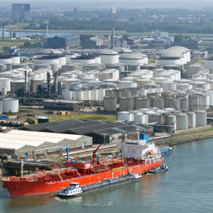 Many Americans Grasp the Benefits of Exporting Crude Oil