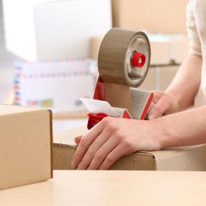 USPS, FedEx and Amazon Blast International Postal Policies