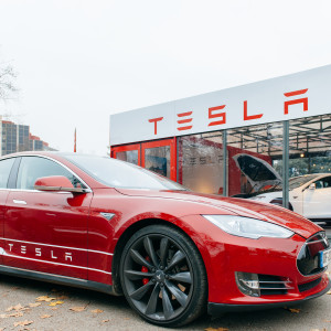 Whoosh! The Electric Car Is Rolling into American Life