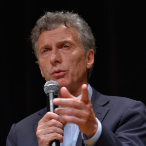 Inter-American Development Bank Coaches Macri on Debt Restructuring