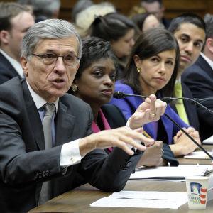 Republican, Democratic FCC Commissioners Spar Over Broadband Spending Post-Net Neutrality