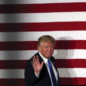 Inside Track 2020: Trump Gains on Warren, Sanders in New Poll