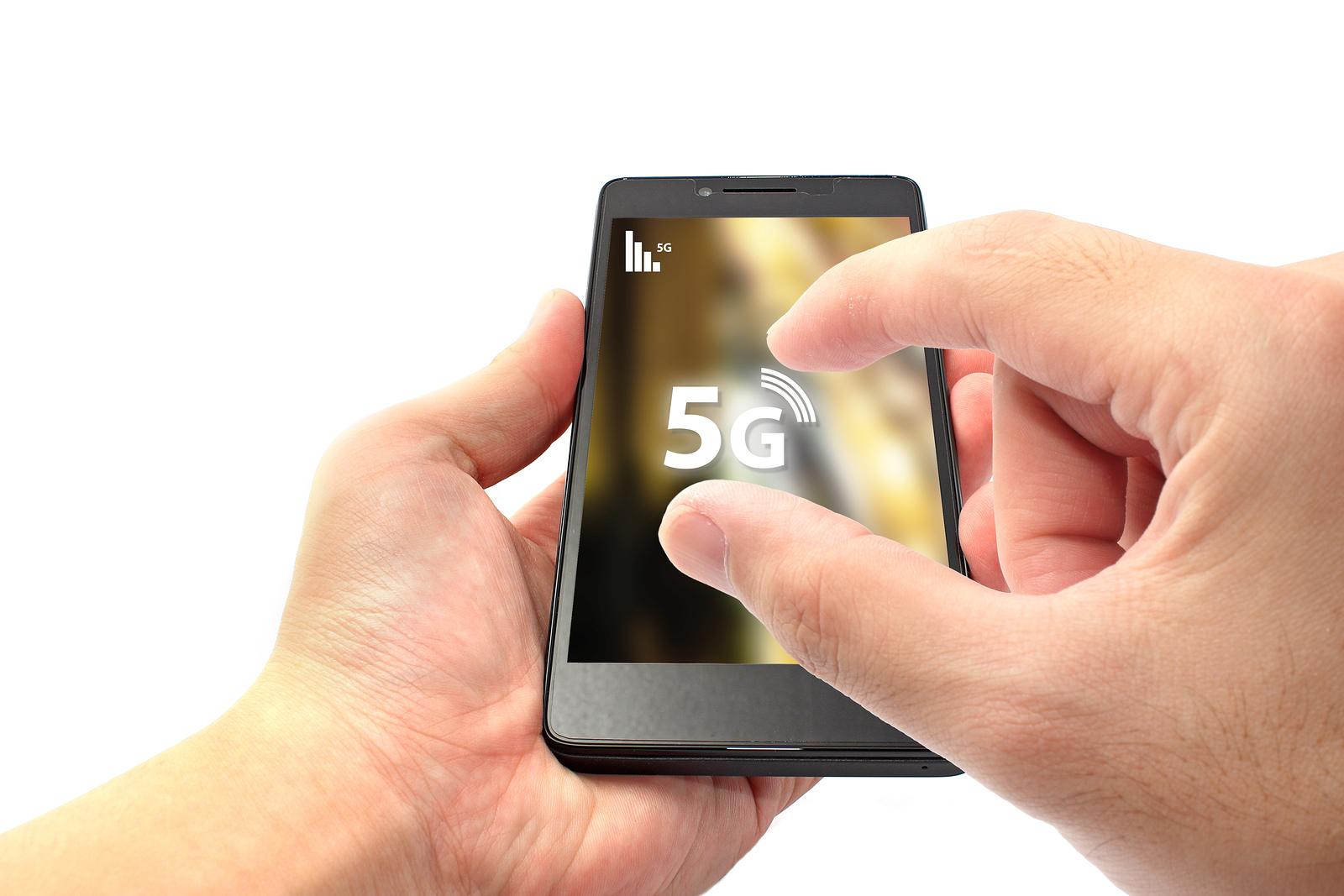 Kết quả hình ảnh cho 5G smartphone