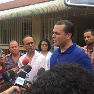 Illinois Congressman Visits Puerto Rico to See Landfill Crisis Up Close