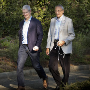 Podesta Emails: Tim Cook Wanted Meeting With Clinton After Patents for Ransom Suggestion