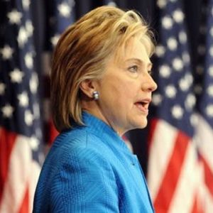 Hillary Says GOP Will 'Steal Votes' as States Struggle With Outdated Voter Rolls