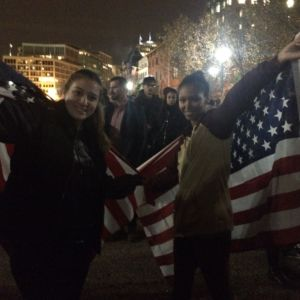 Anti-Trump Crowd in Disbelief Outside White House [PICTURES]