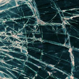 Broken Auto Glass Scam Could Break Floridians' Credit Score